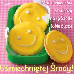 Kartka pod tytułem : ) Uśmiechniętej Środy Smileys, Sugar, Cookies, Desserts, Beautiful Smile, Kids Hands, Good Mood, Simple, Recipies
