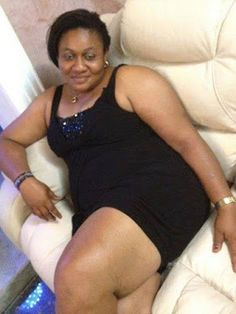 Mrs Barbara is a 40 Year old Woman who is in need of a young man for a sugar momma relationship. So if you are a young man who needs a sugar mummy in cape town, here's the real connection for you. Chat Line, Online Dating Websites, Sugar Baby, Young Ones, A Guy Who, Curvy Outfits, Cape Town, Old Women, Perfect Match