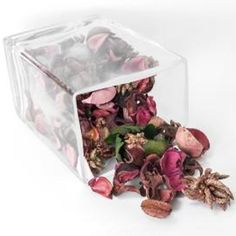 When you receive a bouquet of fresh roses, preserve their beauty and fragrance by drying the rose petals. Dried rose petals are perfect for making potpourri, but they can also be. Dried Rose Petals, Flower Petals, Dried Flowers, How To Make Potpourri, Potpourri Recipes, Drying Roses, Pot Pourri, How To Make Rose, Pots