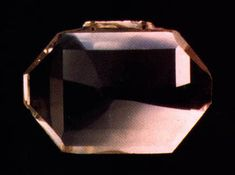This table-cut or taviz diamond, measuring 44.6 × 33 × 3.6 mm and weighing 56.71 carats, is one of several that have been credited as a match for the Great Table Diamond viewed by Jean-Baptiste Tavernier at Golconda in 1642. However, the attribution is probably an error, the Darya-I-Nur, also a taviz cut, and the Nur-Ul-Ain diamonds in the Iranian Crown Jewels are much more likely matches.