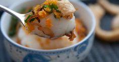 (Bánh Đúc Nước Cốt Dừa với Thịt Xay) - Bánh Đúc with Coconut Milk and Grinded Pork . This cake is the best cakes in Middle Area, Vietnam....
