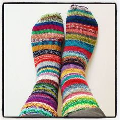 These are for my lovely friend @sommarvinden :) #selfiefeet #sockknitting #sockyarn #socks #happysocks #knittersofinstagram #knitting #knit #undermyfeet #fromwhereistand #stripes #yarn #yarnaddict #socksofinstagram #diy #madebyme #scrappysocks