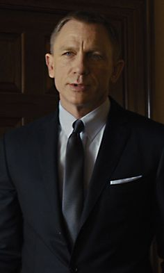Buy Daniel Craig Casino Royale Tuxedo. James Bond Peak Lapel Made to Measure tuxedo suit is ON SALE in an affordable price with free WORLDWIDE  shipping.