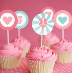 Vintage Hot Air Balloon Cupcake toppers by SunshineParties! We believe in Pink! More cupcake decoration ideas here: http://selfpackaging.com/en/37-cupcakes // #cupcakes #cupcaketoppers #cupcakeideas #pinkcupcakes