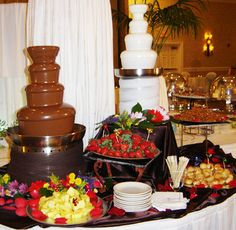 Definately having a chocolate fountain!for a sweet 16 party ! Chocolate Fountain Rental, Chocolate Fountain Recipes, Chocolate Fountains, Alternative Wedding Cakes, Wedding Cake Alternatives, Cupcakes, Sweet Sixteen, Sweet 16, Wedding Reception