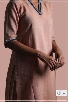 #handloom #kurta #neckdesigns #handloomlove #traditional ##handloomcotton #kuppadam #sustainablefashion #sewingtradition Khadi Kurti, Kurta Palazzo, Sustainable Fashion, Organic Cotton, Traditional