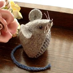 Pear Tree Pincushion - great new wool applique pattern Felted Wool Crafts, Felt Crafts, Fabric Crafts, Crafts To Make, Sewing Toys, Sewing Crafts, Sewing Projects, Mouse Crafts, Stuart Little