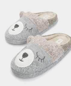 61780be1a51 Find trendy women s slippers at the Oysho WINTER SALE 2016. Try our funny