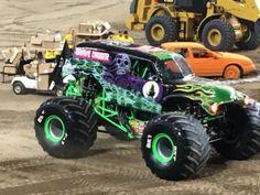 The Ultimate Tips for Attending a Monster Jam Truck Show Monster Truck Show, Monster Jam, Monster Trucks, 4x4 Trucks, Lifted Trucks, Truck Camper, Latest Cars, Digger, Rowan