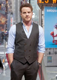Rob Kazinsky during his visit to 'Extra' at their New York studios at H&M in Times Square on January 2016 in New York City. Rob K, Robert Kazinsky, New York Studio, January 12, Second Chances, New Series, Im In Love, Beautiful Men, New York City