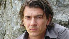 Dimitri Verhulst die over zijn verleden schreef en er veel prijzen mee won.