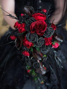 Gothic Bride Bouquet /wedding flowers custom made to your Bride Bouquets, Flower Bouquet Wedding, Black Rose Bouquet, Bouquet Flowers, Vampire Wedding, Skull Wedding, Black Wedding Dresses, Black Red Wedding, Yellow Wedding