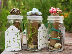 Gather those seeds in your garden and gift them. What a cute gift idea.