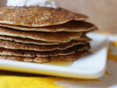These crepe-like pancakes can be served with roasted veggies or with coconut cream, fruit and syrup. Thin Pancakes, Gluten Free Pancakes, Gluten Free Oats, Gluten Free Breakfasts, Pancakes And Waffles, Dairy Free, Gf Recipes, Raw Food Recipes, Gluten Free Recipes