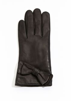 AXESSIMO  Leather Gloves with Bow Detail