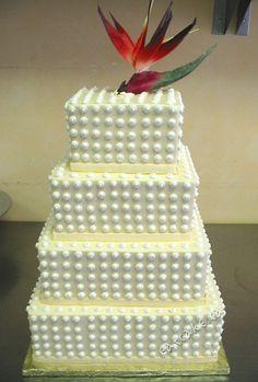 By CakeWorks (www.eatcake.ca)