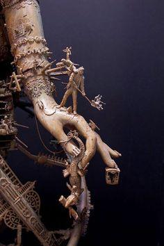 Juxtapoz Magazine - The Work of Kris Kuksi Found Object Art, Found Art, Mixed Media Sculpture, Sculpture Art, Art Actuel, 3d Figures, Assemblage Art, Cultura Pop, Box Art