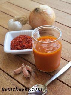Ev Yapımı Barbekü Sos Sauce Recipes, Meat Recipes, Chutney, Salsa Guacamole, Pesto, Nachos, Homemade Bbq, Homemade Sauce, Appetizer Salads