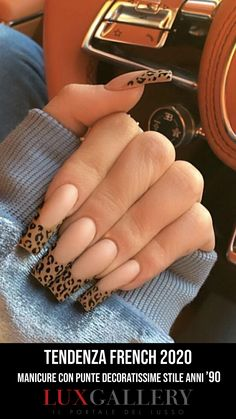 In we'll be forgoing the traditional pink-and-white French combo. And right on cue, Kylie Jenner served up a trend. Matte Nail Art, White Acrylic Nails, Black Nail, White Nail, Kylie Jenner, Nail Art Professionnel, Nail Drawing, Professional Nail Art, Nail Ideas
