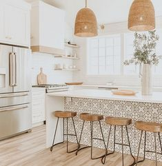 8 Glowing Simple Ideas: Kitchen Remodel House new kitchen remodel ideas.Farmhouse Kitchen Remodel To Get. Home Decor Kitchen, New Kitchen, Kitchen Dining, Rustic Kitchen, Awesome Kitchen, Kitchen Cabinets, Kitchen Stools, Boho Kitchen, Dining Rooms