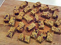 Homemade granola bars - healthier and cheaper!