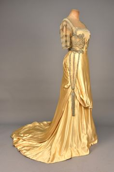 Worth evening dress, 1910-12From Whitaker Auctions