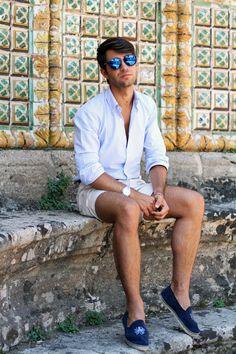 Filippo Fiora in Caltagirone    source: www.thethreef.com    #outfit #marine #style