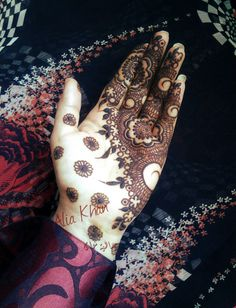 Henna by Alia Khan | http://www.indusboutique.com/henna-on-hands-feet.php
