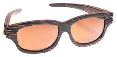 Gafas de sol en madera, filtro UV, marca Maguaco S013. Maderas: Macana y Guadua. $180.000 COP
