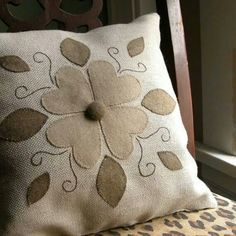 I love patterns and colors - I love this Fold Art Floral Applique Pillow because its basic and can go with anything. Love it with the cheetah chair! Applique Pillows, Sewing Pillows, Felt Applique, Diy Pillows, Decorative Pillows, Throw Pillows, Felt Crafts, Fabric Crafts, Sewing Crafts
