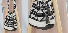 """De tas is gehaakt met strakke steken in spiraalvormige cirkels. In de tapestry techniek stop je de draden van de kleuren die niet nodig zijn boven aan de vorige rij en """"haakt"""" ze met een strakke lus. Zo vermijd je vervelende spanningsdraden, heb je minder werk tijdens het naaien en wordt je haakwerk lekker stevig.  De tas is ongeveer 30 cm hoog en heeft een omtrek van ongeveer 71 cm. Boho Shorts, Blouse, Crochet, Creative, Mandala, Diy, Tapestry, Tops, Fashion"""