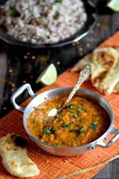 Dhal of coral lentils with coconut milk & Curry Lunch Recipes, Easy Dinner Recipes, Vegetarian Recipes, Healthy Recipes, Batch Cooking, Cooking Time, Indian Food Recipes, Ethnic Recipes, Vegan Kitchen