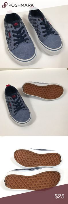 72aea488a4c Vans Boys Skate Shoes 10.5 stretch laces checkered These look like they  haven t been