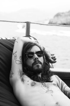 sunglasses tattoo beard hair style urban hipster men fashion Encre, J aime  La Barbe b19d1471489d