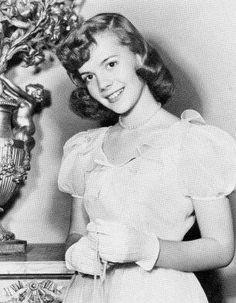 NATALIE WOOD (1952)