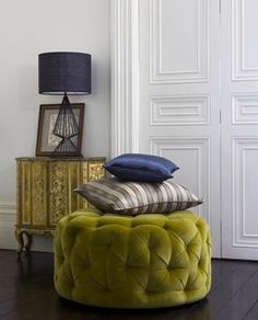 Love this olive stool/bench/coffee table, whatever you call it!