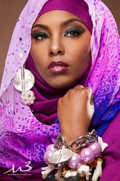 Fashion Arabic Style Illustration Description Where style starts: Check out these 10 fabulous images by American based photographer Charlton Hudnell featuring a gorgeous set of veils, head wraps, and head scarves – Read More – African Beauty, African Women, African Fashion, My Black Is Beautiful, Beautiful People, Beautiful Women, African Head Wraps, Beauty And Fashion, Beauty Style