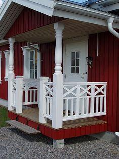 Pergola Installation Near Me Porch Railing Designs, Diy Stair Railing, Front Porch Railings, Patio Railing, Staircase Design, Balustrades Avant, Grand Veneur, Manufactured Home Porch, River House Decor