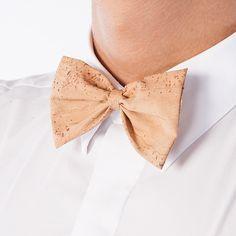 Kork Fliege «Natural» von Montado – Natürliche Krawatte – Faire Mode Tie, Accessories, Vegan Fashion, Stationery Set, Cravat Tie, Handmade, Ties, Jewelry Accessories