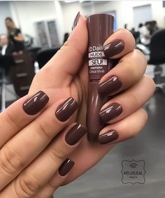 Clique na Foto e Receba o Curso Profissional de Unhas de Gel, Acrigel e de Fibra. Brown Nail Polish, Brown Nails, White Nails, Dream Nails, Love Nails, My Nails, Elegant Nails, Beautiful Nail Designs, Gorgeous Nails
