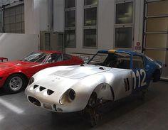 Metal Shaping, American Racing, Old Race Cars, Pretty Cars, Ferrari F1, Jaguar E Type, Racing Team, Custom Metal, Car Manufacturers