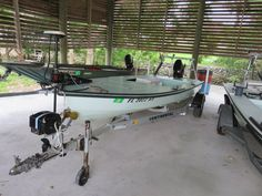 Hell's Bay Boatworks Whipray 16