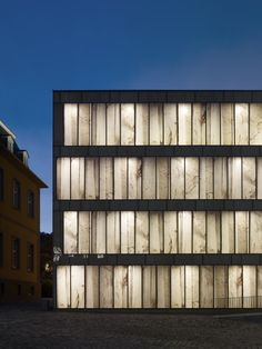 Gallery of Folkwang Library by night / Max Dudler