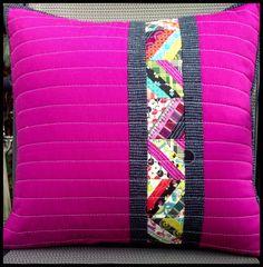 Nice off-center design. Cushion Cover Designs, Pillow Cover Design, Cushion Covers, Pillow Covers, Sewing Pillows, Diy Pillows, Decorative Pillows, Throw Pillows, Pillow Ideas