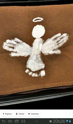 Anjos com pes e mãos do seu bebê, em juta e tinta acrílica