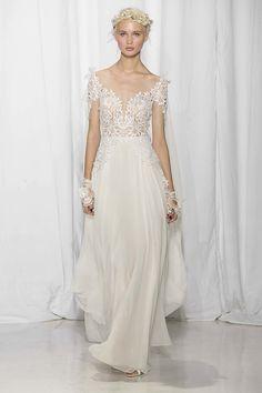 Selecionamos alguns dos vestidos de noiva de Reem Acra da temporada Fall 2017 da NY Bridal Week. Tem para todos os gostos e estilos!