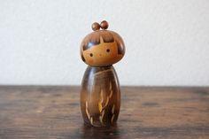 From Kokeshi Master Mrs Fukushima Hiroe Vintage Creative Kokeshi doll a collectors Sosaku Kokeshi Vintage Gifts, Vintage Decor, Etsy Vintage, Vintage Shops, Vintage Items, Vintage Outfits, Vintage Style, Antique Collectors, Antique Stores