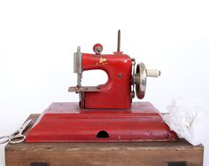 How cute is this toy sewing machine?