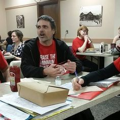The campaign to raise Oregon's minimum wage to $15 an hour is backed by 11 lawmakers.