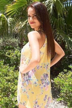 Take the Sense Of Wonder Yellow Floral Print Halter Swing Dress everywhere you go. Vibrant yellow super soft stretch jersey is decorated in a floral print as it falls from the halter neckline. Cute Dresses, Short Dresses, Floral Dresses, Halter Dresses, Strapless Maxi, Coral Dress, Pink Dresses, Yellow Dress, Beautiful Dresses